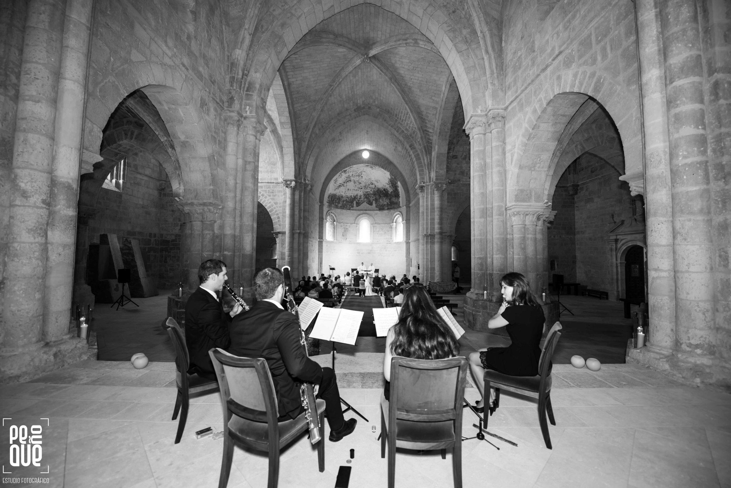 concierto durante ceremonia del grupo Scherzo