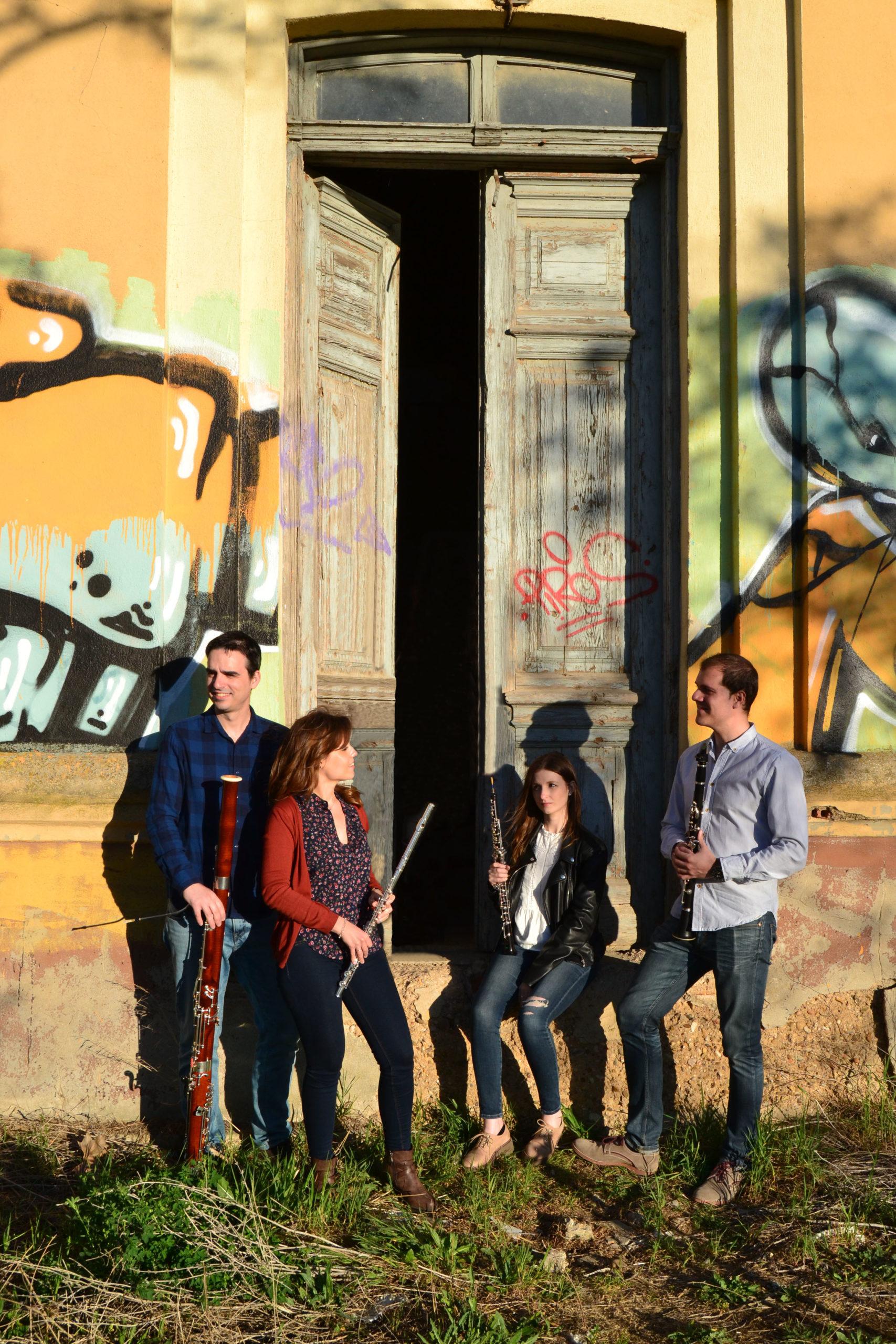 grupo de música Scherzo con instrumentos