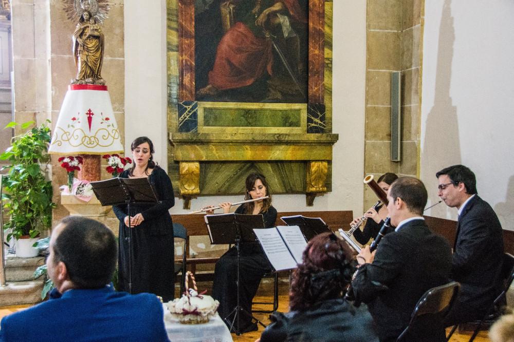 Música en directo con soprano de Scherzo