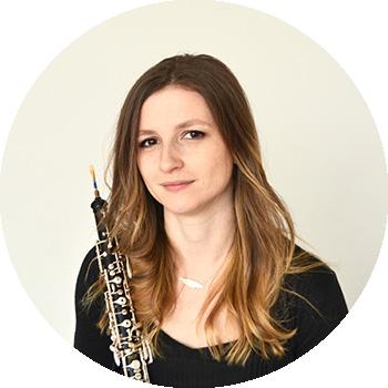 Imagen redondeada de Adriana que toca el Oboe en el grupo Música de cámara Scherzo